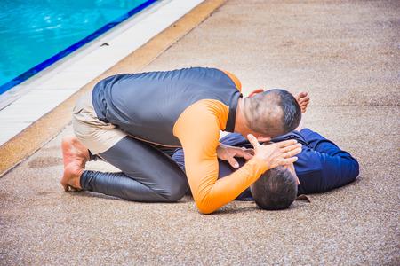 cpr 훈련 과정 및 가슴 압박 희생자 체포 익사