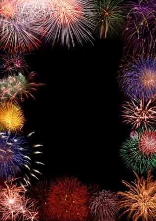 fuegos artificiales: Collage - hermoso marco de los fuegos artificiales de colores de apertura, el espacio para el saludo o invitaci�n Foto de archivo