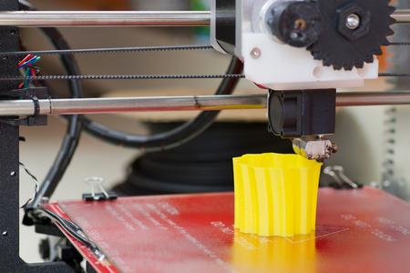 Detail of 3D printer printing a vase Reklamní fotografie