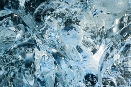 estado del tiempo: Bloque de cristal claro hielo glacial - fondo abstracto Foto de archivo