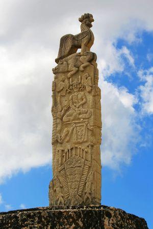 rajah: Grandes losas de piedra-sepulcro. Indonesia. Sumba. Rende.