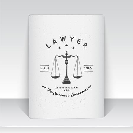 ley: Servicios de abogado. Oficina de Leyes. El juez, el fiscal, el abogado de etiquetas de la vendimia. Escalas de la justicia. Tribunal de s�mbolo de la ley. Hoja de papel blanco. Tipogr�fico etiquetas, pegatinas, insignias y distintivos. Ilustraci�n vectorial Flat Vectores