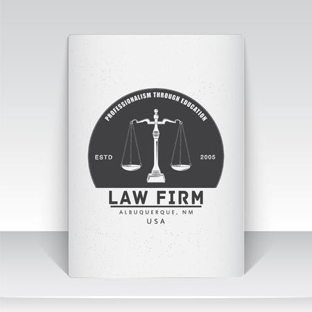 abogado: Servicios de abogado. Oficina de Leyes. El juez, el fiscal, el abogado de etiquetas de la vendimia. Escalas de la justicia. Tribunal de s�mbolo de la ley. Hoja de papel blanco. Tipogr�fico etiquetas, pegatinas, insignias y distintivos. Ilustraci�n vectorial Flat Vectores
