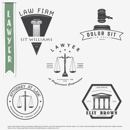 Lawyer services. Law office. The judge, the district attorney, the lawyer set of vintage labels. Scales of Justice. Court of law symbol.  Typographic labels, stickers, logos and badges. Flat vector illustration Stock Illustratie