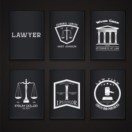 Verheerlijking. Advocatenkantoor. De rechter, de officier van justitie, de advocaat set van vintage labels. Schalen van Justitie. Rechtbank symbool. Typografische labels, stickers, logo's en badges. Platte vector illustratie