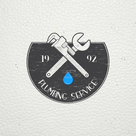 mantenimiento: Plomería. Reparaciones del hogar. Reparación y mantenimiento de edificios. Monocromo etiquetas tipográficos, pegatinas, insignias y distintivos. Ilustración vectorial Flat Vectores