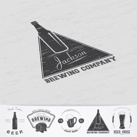 brewing: Beer pub. Brewing old school of vintage label. Old retro vintage grunge. Scratched, damaged, dirty effect. Monochrome typographic labels, stickers, logos and badges. Flat vector illustration Illustration