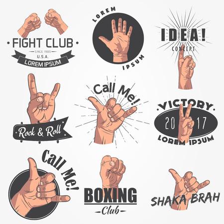 Een set van 9 realistische emblemen, logo. Gebaren van wapens, strijdclub, bel me, idee, shaka, rock and roll. Typografische labels, stickers, logo's en badges. Vlakke vectorillustratie