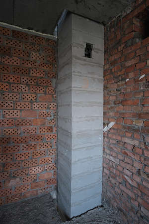 Pipelines in the apartment, the system of sewage pipes and ventilation to the empty apartment