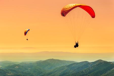 Duo paragliding flight
