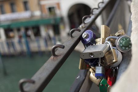 rialto bridge: Lot padlock on the Rialto Bridge, Venice
