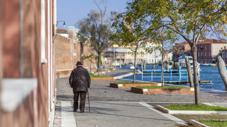 ballad: Ballad of an old man with a cane in Venice