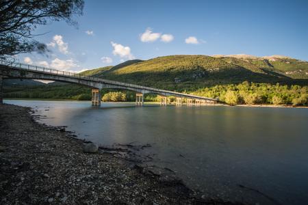 Barrea See, Nationalpark Abruzzen, Italien Standard-Bild - 78416231