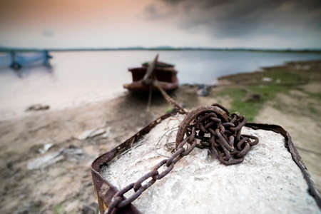 crux: Chain fasten to to a boat