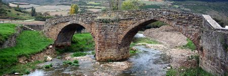 navarra: romanic bridge in Monreal, Navarra, Spain Stock Photo