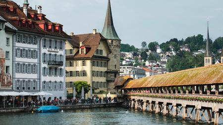 Chapel Bridge in Lucerne, Swiss Redactioneel