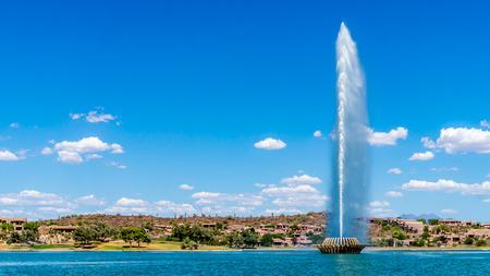 Hoogste Fontein in de VS op Fountain Hills spuwen tot een hoogte van 562 voet
