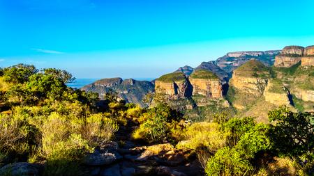 南アフリカのムプマランガ州のパノラマルートに沿ってブライド川渓谷の3ロンダヴェルとハイベルト 写真素材