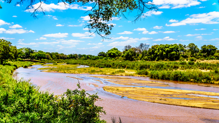 The almost dry Sabie River at the end of the dry season at Skukuza Rest Camp in Kruger National Park in South Africa Imagens