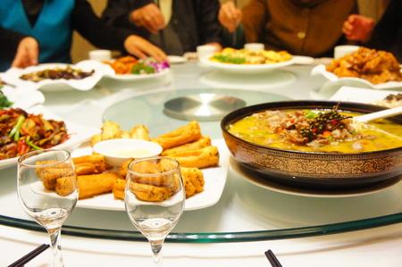 hot asian: стол, полный продуктов