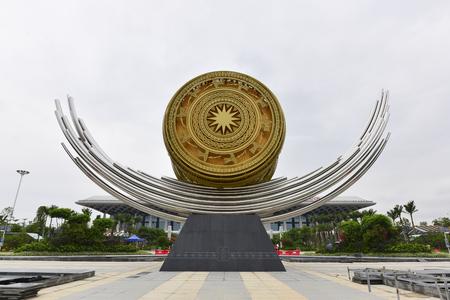 travel features: Nanning East bronze drum sculpture