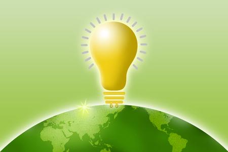 desarrollo sustentable: Conceptos ambientales, la energía verde, el desarrollo sostenible, la bombilla y la generación de energía con el fondo verde claro Foto de archivo