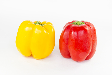 pimiento: Peppers rot, yellow, red isolated on white Background.