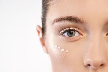 Anti-aging en dag en nacht. Concept van schoonheid, crèmes, huidverzorging en duidelijk. Stockfoto