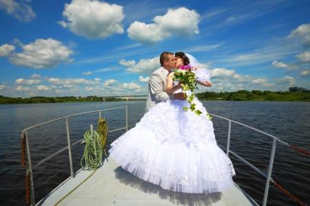 Huwelijksreis op het jacht Stockfoto