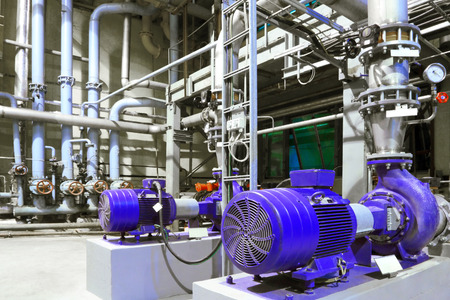 bomba de gasolina: Fábrica de equipos
