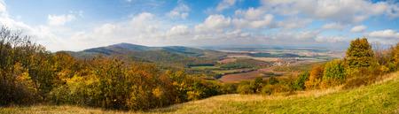 campagne rural: Les couleurs vives de l'automne dans la campagne rurale Banque d'images
