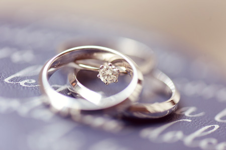 wedding vows: Beautiful engagement and wedding rings