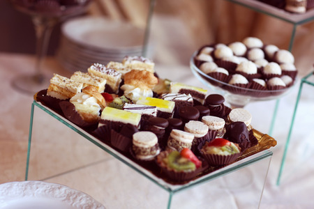 ślub: Delicious sweets on table