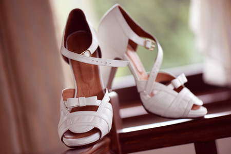 whiteness: Beautiful white sandals for the bride