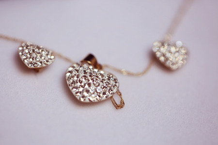 diamante: Heart shaped neck chain with crystals Stock Photo