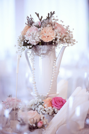beautifully: Beautifully decorated vase with flowers