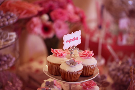 cake pick: Cupcakes with flowers