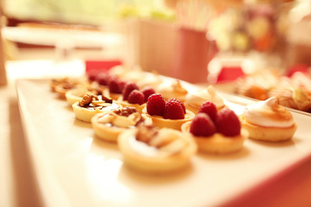 tarts: Delicious mini tarts with berries and almonds