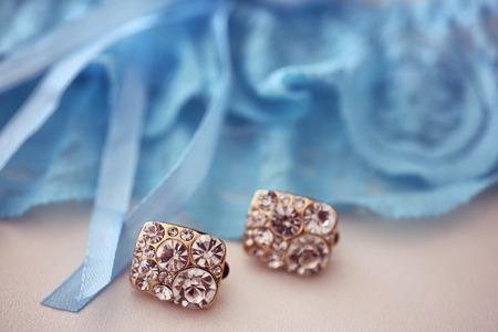 aretes: cristales pendientes