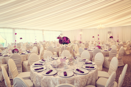 Beautifully decorated wedding table Banque d'images
