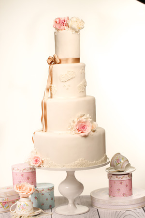 cakestand: Wedding Cake Stock Photo