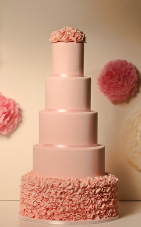 ombre cake: pink wedding cake Stock Photo