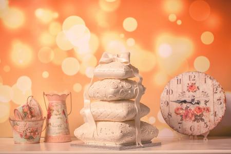 decora: beautiful white cake