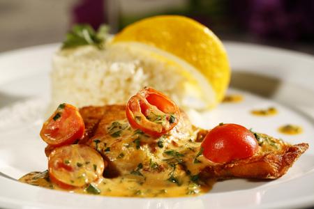 comida gourmet: Deliciosa comida gourmet en el restaurante Foto de archivo