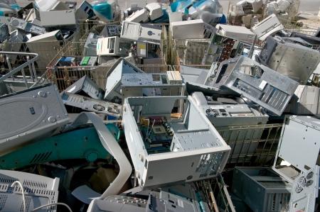 Tri des pièces d'ordinateurs pour le recyclage électronique