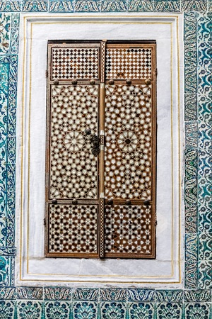 inlay: Harem door from mother of earl inlay