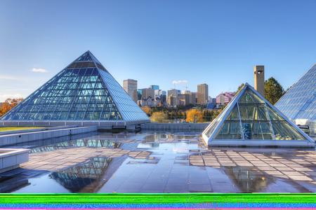 Das Muttart-Konservatorium in Edmonton, Kanada Standard-Bild - 88662655
