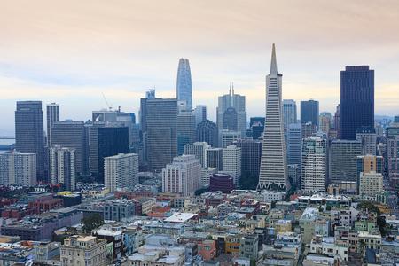サンフランシスコ、カリフォルニアのスカイライン 写真素材