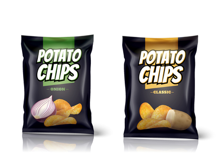 Progettazione di pacchetto delle patatine fritte, borse della stagnola isolate su fondo bianco nell'illustrazione 3d