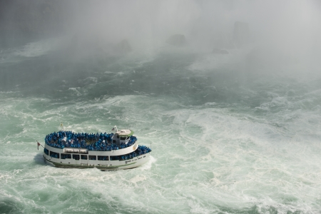 ナイアガラの麓ツアー ボート
